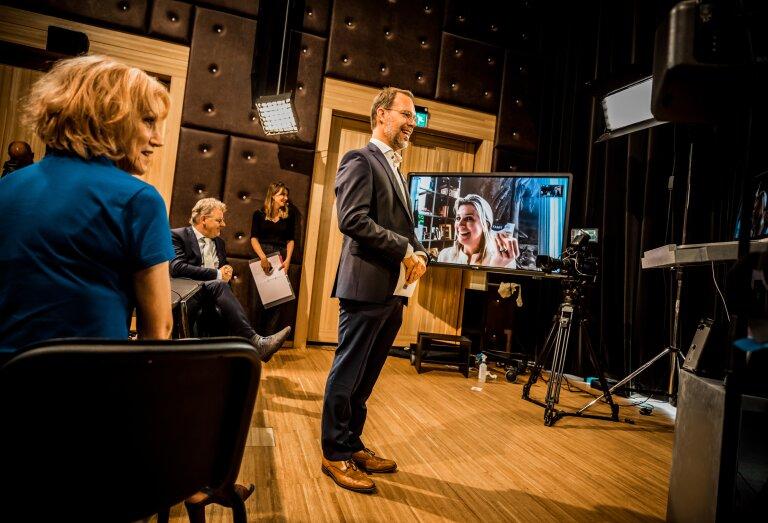 Directeur Bert Frölich van Kunstwerk! tijdens de online bijeenkomst over muziekonderwijs in Gelderland met Koningin Máxima