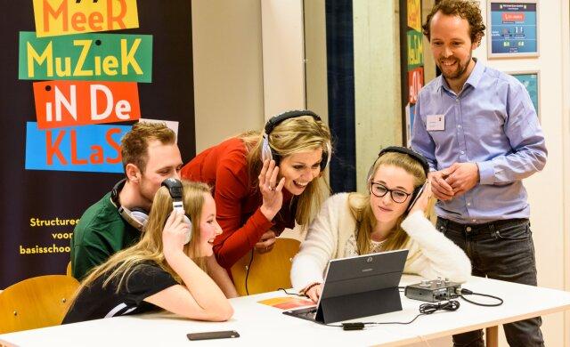 Koningin Máxima bezoekt workshop Digitaal Componeren