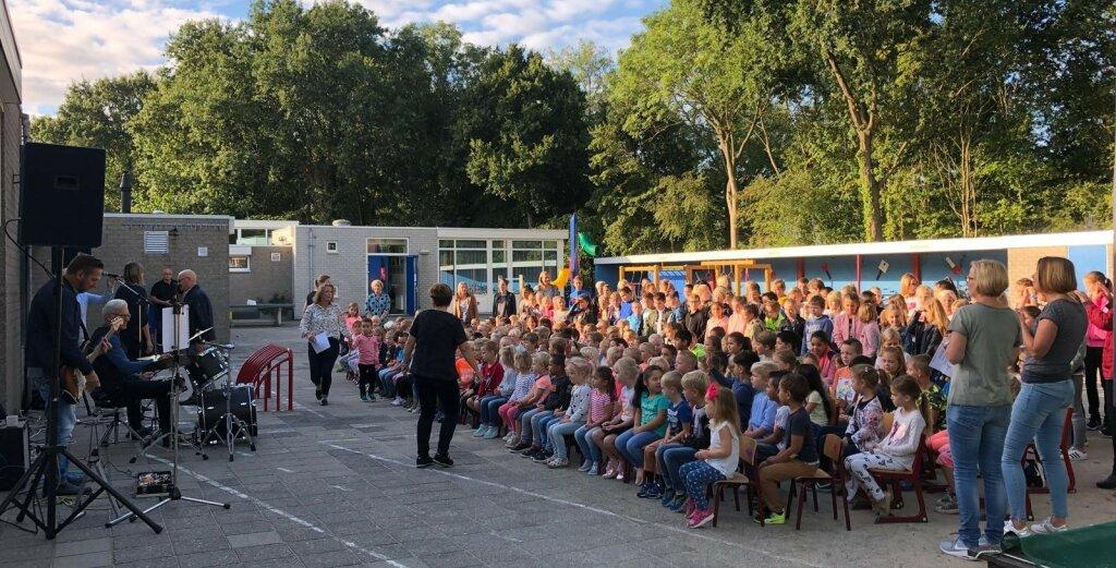 Zeeuwse muziekambassadeur tourt langs basisscholen