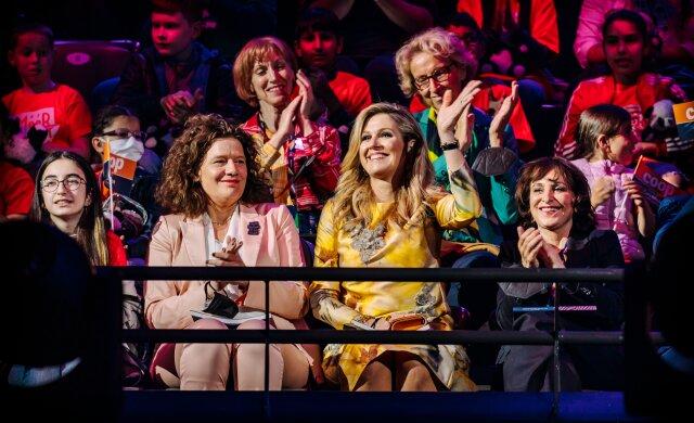 Koningin Máxima opent eerste MuziekSpeeltuin Rotterdam en bezoekt met basisschoolkinderen het Eurovisie Songfestival