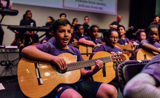 Rotterdamse Muziekleerlijn voor het basisonderwijs van start